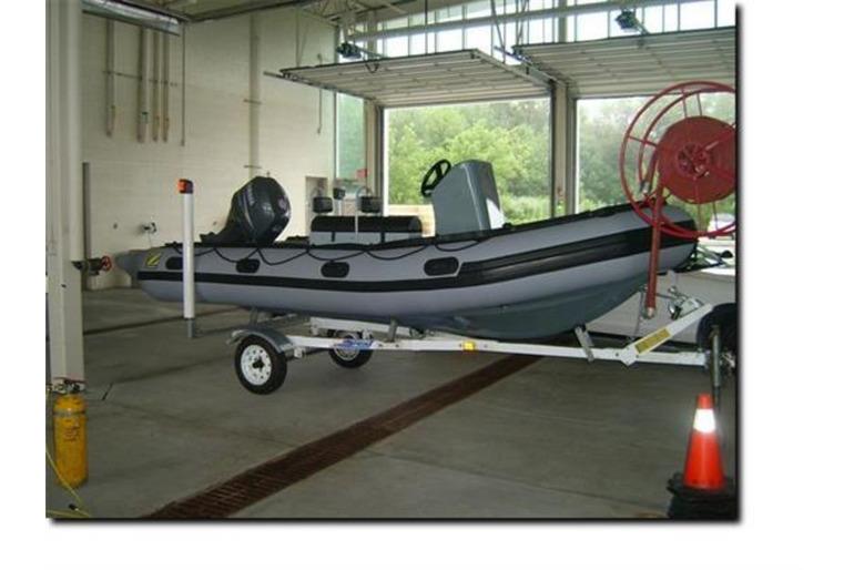 Zodiac Mil Pro Rigid Inflatable 17 ft Boat w/ brand new Yamaha F70 Engine